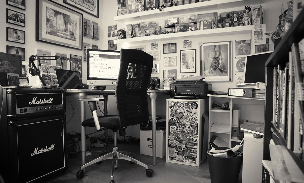 Das Foto zeigt das Studio von Dirk Behlau in Bonn.